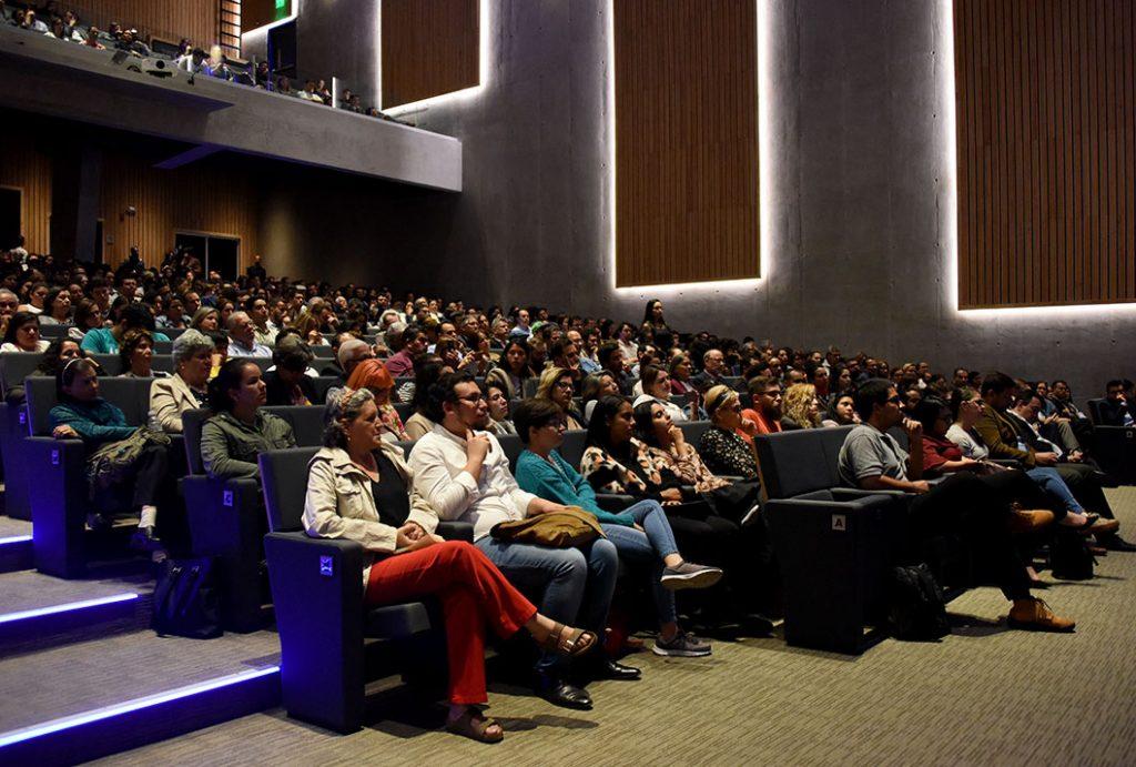 Cientos de personas acudieron al Aula Magna para la Lección Inaugural 2019. (Foto: Laura Rodríguez / ODI).